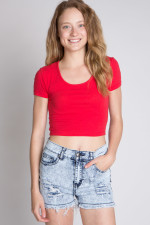 red cropped crew neck tee